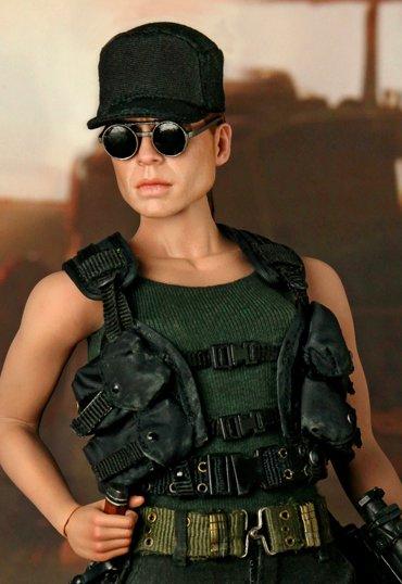 http://www.battlegrip.com/wp-content/uploads/2010/02/sarah.jpg